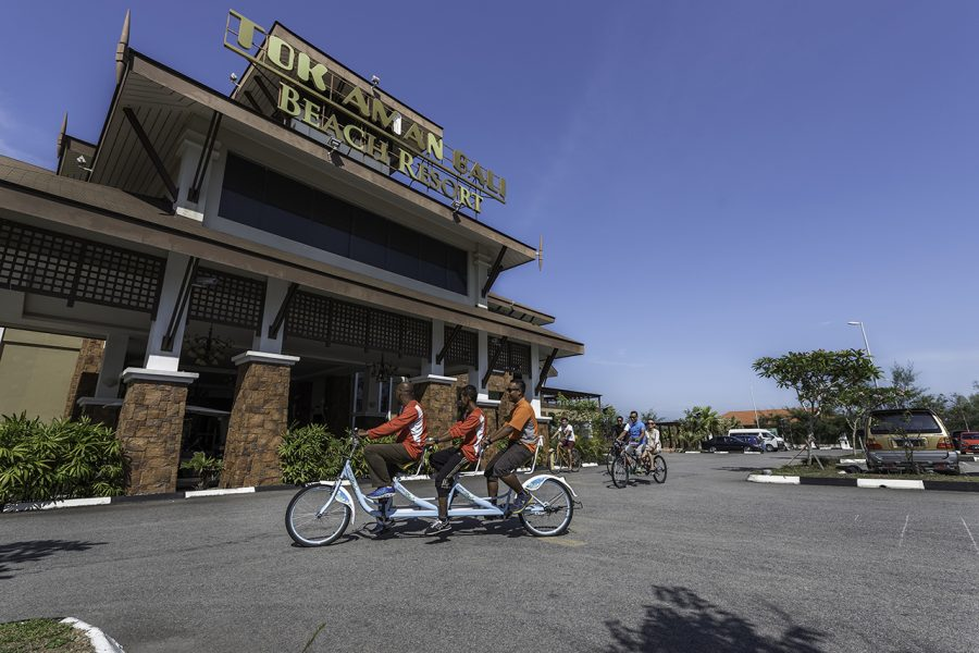 Tok Aman Bali Beach Resort Kelantan Bicycle Recreation