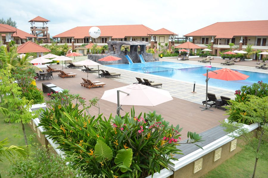 Tok Aman Bali Beach Resort Kelantan Swimming Pool